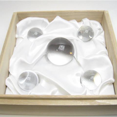 土地に埋める地鎮祭の準備の水晶玉