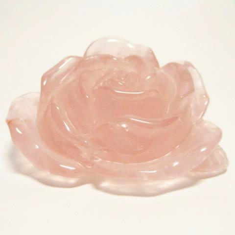 ローズクォーツ薔薇の彫刻