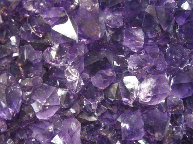 アメジストはアメシスト、透明な水晶は白水晶