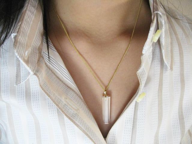 幸運を呼ぶ水晶ネックレスペンダント・水晶六角柱Sペンダント チェーン付き